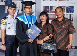 Keluarga - 10 Maret 2012